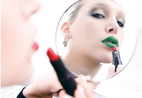 Toxic makeup2